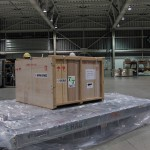 下町ボブスレーアメリカ輸送のための梱包作業