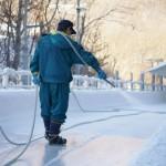 氷上を調整するアイスマン